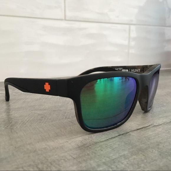 2e65841020d SPY Hunt Polarized Sunglasses. M 5aaec090a825a6f122dded58